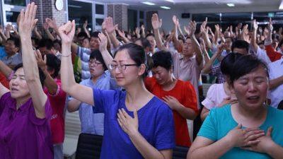 主耶穌,主愛長存,逼迫,禱告,十字架,基督徒,跟隨神