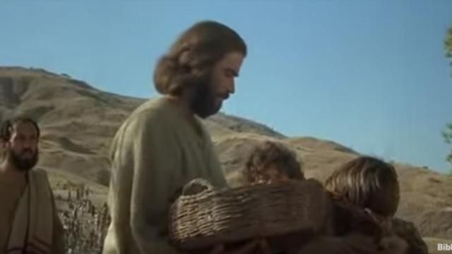 耶穌用五餅二魚讓五千人吃飽