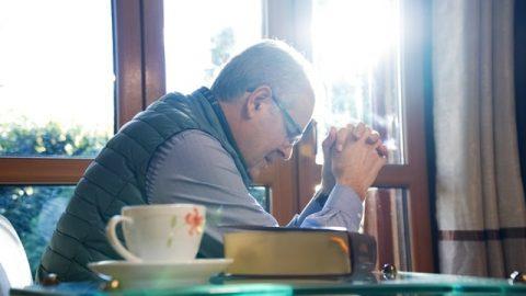 基督徒靈修:禱告與神相交是達到蒙拯救的途徑