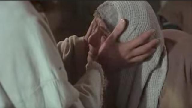 耶穌行神蹟奇事 駝背婦人-耶穌電影
