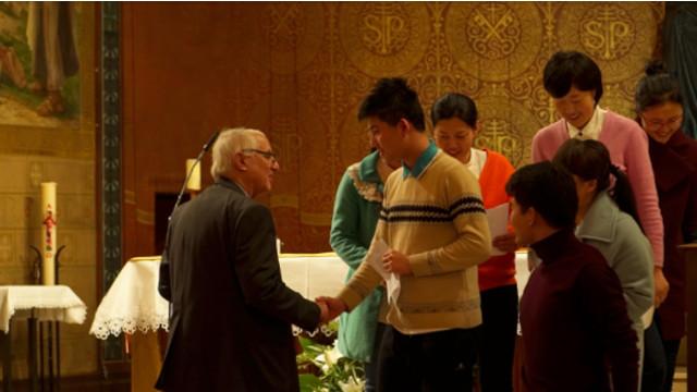 流亡在法中國基督徒聖誕讚歌受好評