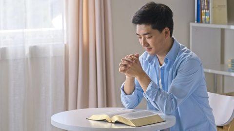 基督徒禱告親近神