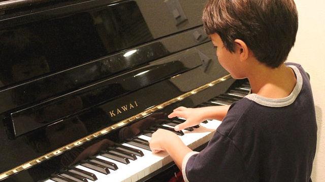 彈鋼琴,孩子