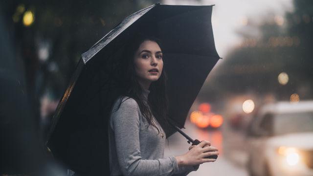 女子,下雨