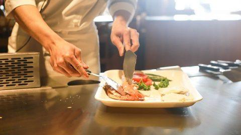真是難得,狂妄的主廚贏得了老闆的讚賞