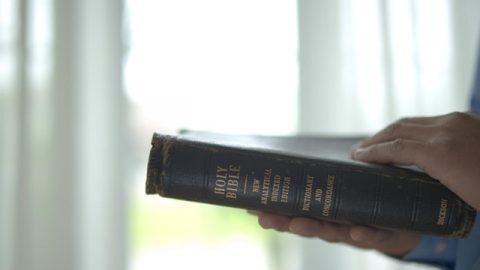 為什麼經上說「聖經把眾人都圈在罪裡」(有聲讀物)